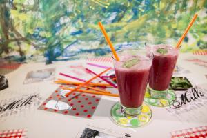 Alkalizing smoothie Strawberry and Lemon Average result