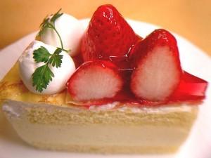 640px-Strawberry_crape_shortcake1