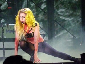 640px-Lady_Gaga_Alejandro