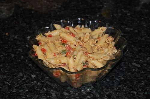 640px-Pasta_salad