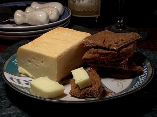 640px-Cheese_27_bg_051806