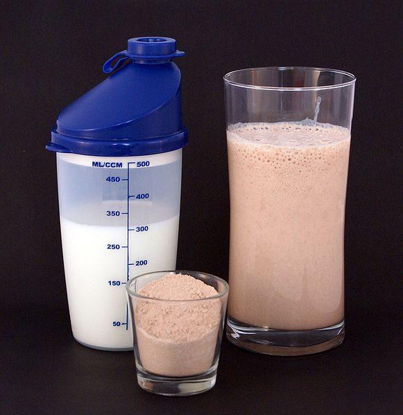 ¿Qué es el Whey Protein Isolate y cuáles son sus efectos secundarios?
