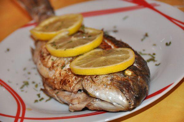 Dorada al horno con patatas y otras recetas con dorada
